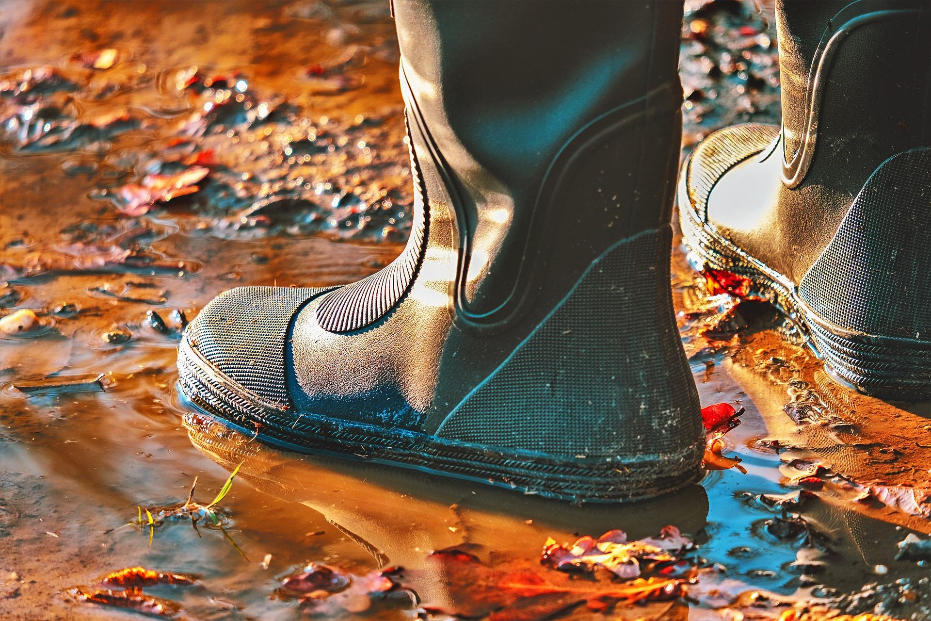Jak wybrać buty nieprzemakalne?